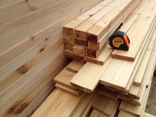 деревянный брус и вагонка