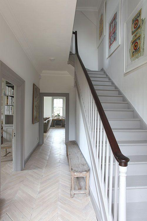 гармоничный узкий коридор - ремонт в узком коридоре