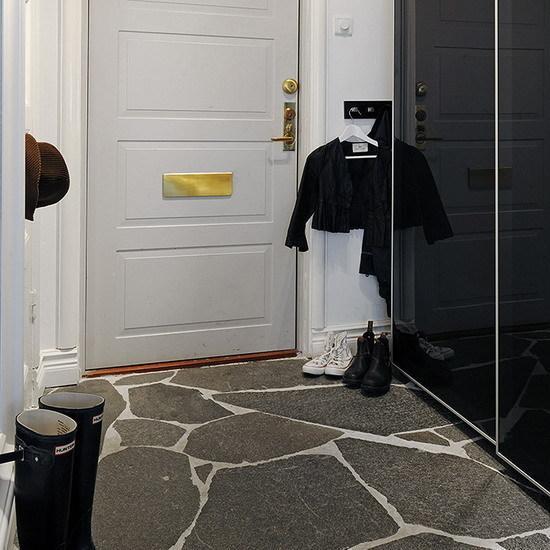 пол из плитки в коридоре - ремонт в узком коридоре