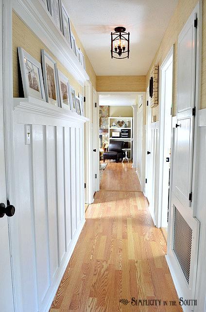 рельефные панели в коридоре - ремонт в узком коридоре