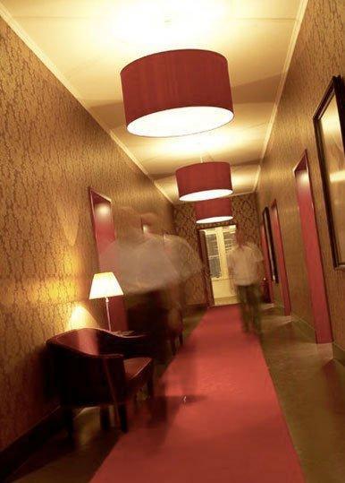 текстурные обои в узком коридоре - ремонт в узком коридоре