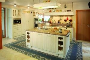 спокойные цвета на кухне