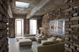 ещё одна типичная комната в стиле лофт