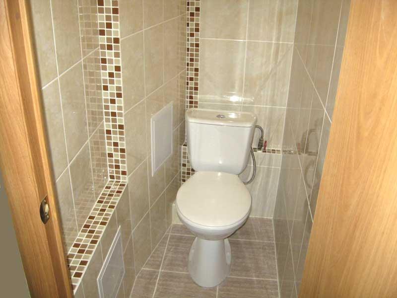 бежевая кремовая плитка в туалете