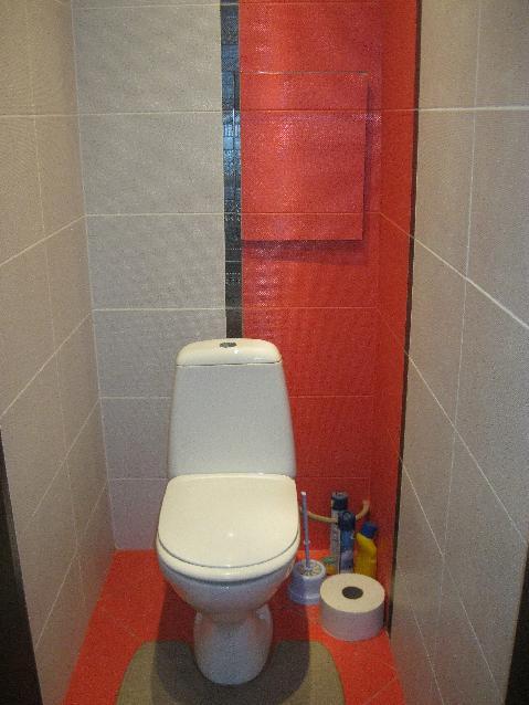 контрастная плитка в туалете 2