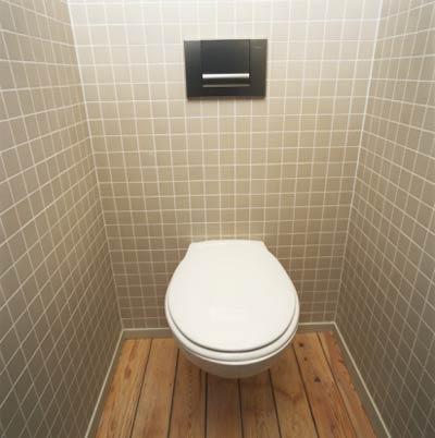 маленькая плитка в туалете