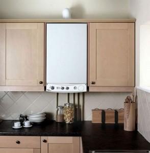 газовая колонка между кухонные шкафчиками 2. ремонт кухни с газовой колонкой.