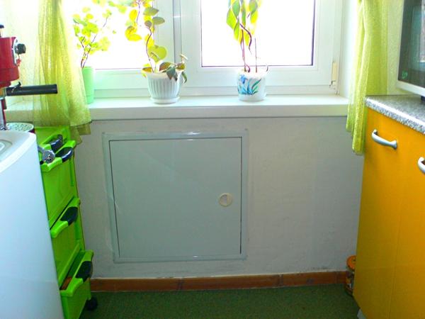 холодильник под подоконником в хрущевке