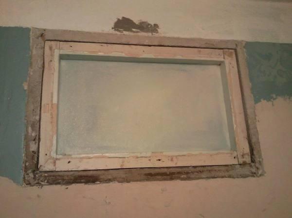Как заделать окно между ванной и кухней в хрущевке.jpg