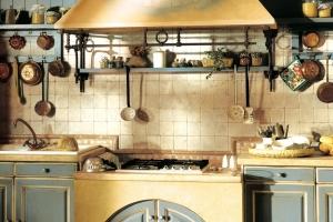 плита на кухне прованс