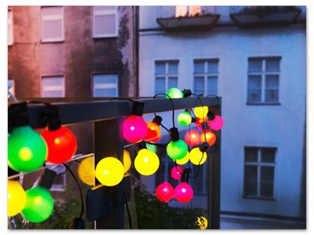 стильные фонарики на балконе