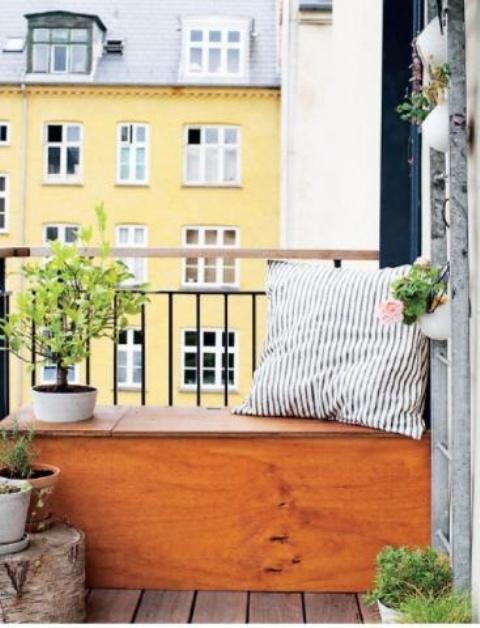 удобный ящик на балконе 3