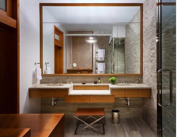большое зеркало в ванной