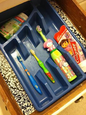 зубные щётки в ванной - удобное хранение