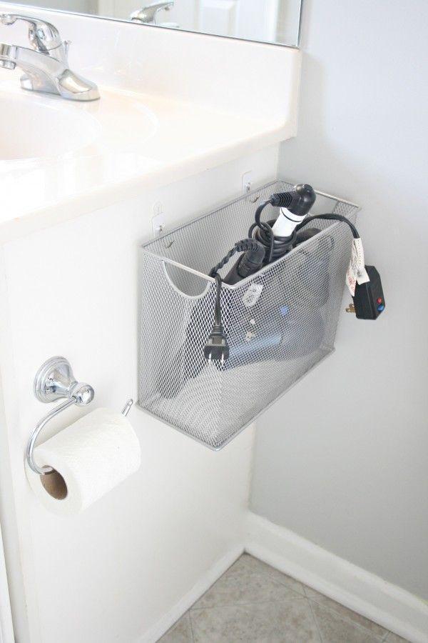 удобное хранение в ванной электроприборов