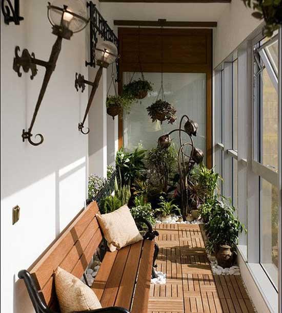 стильный балкон с цветами.jpg