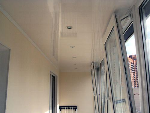 точечный светильник на балконе.jpg