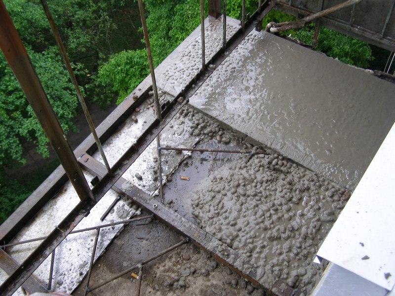 стяжка и выравнивание открытого балкона