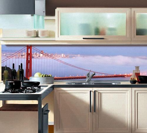 стеновые панели из стекла на кухне