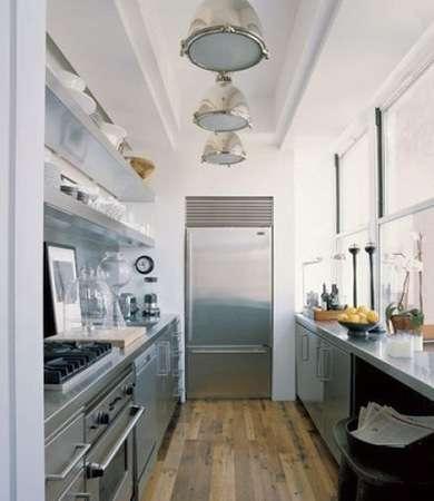 узкая кухня в стиле кабмуза на корабле. дизайн узкой кухни