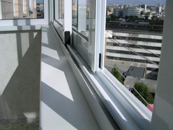 средний балкон