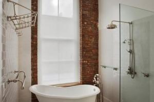 Ванная комната в стиле лофт стекло