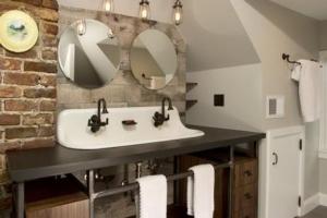 бетонный пол в ванне лофт